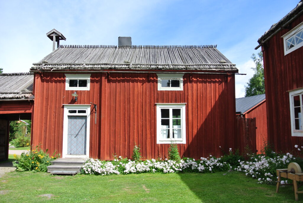 Punainen Talo - Červený Dům
