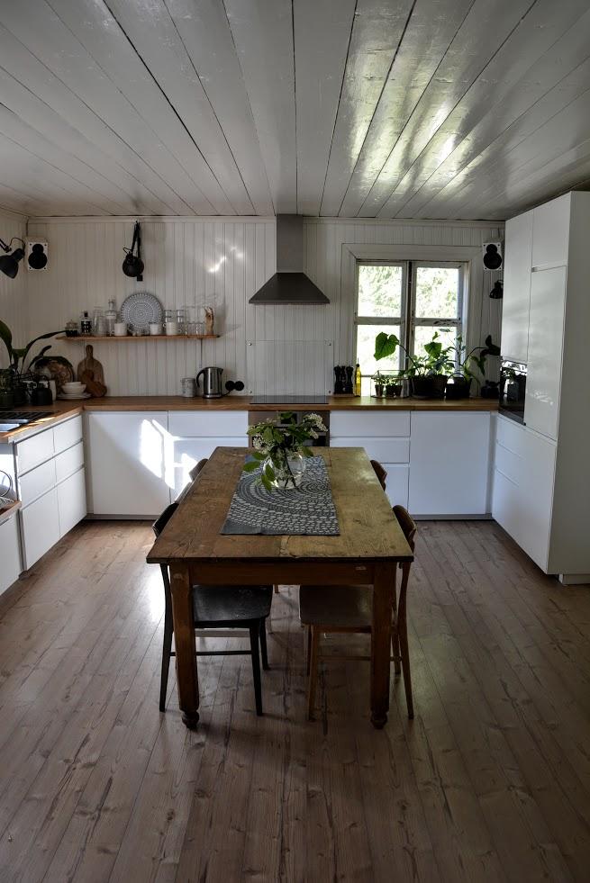 Kuchyně, rekonstrukce starého domu, finská dřevostavba