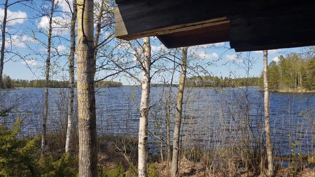 Finsko, výhled z chaty na jezero
