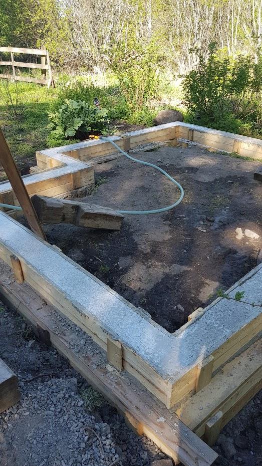 betonový sokl pro skleník