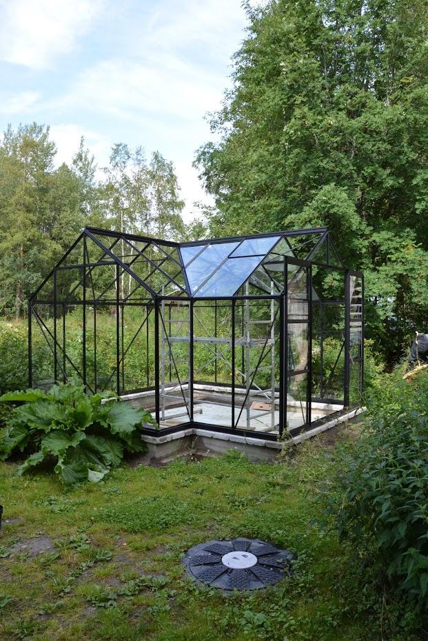 Vitavia Sirius, skleník, rebarbora, nádrž na dešťovou vodu