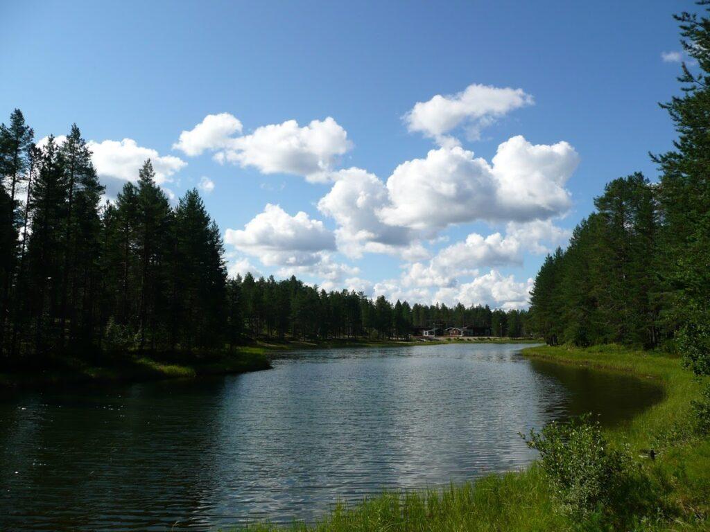 Jezero, kemp