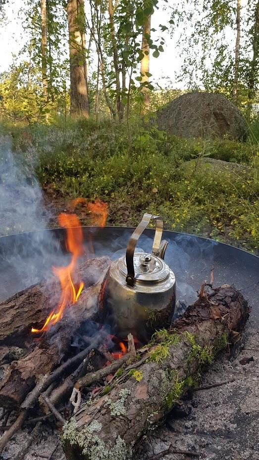 ohniště, káva z ohně, v přírodě