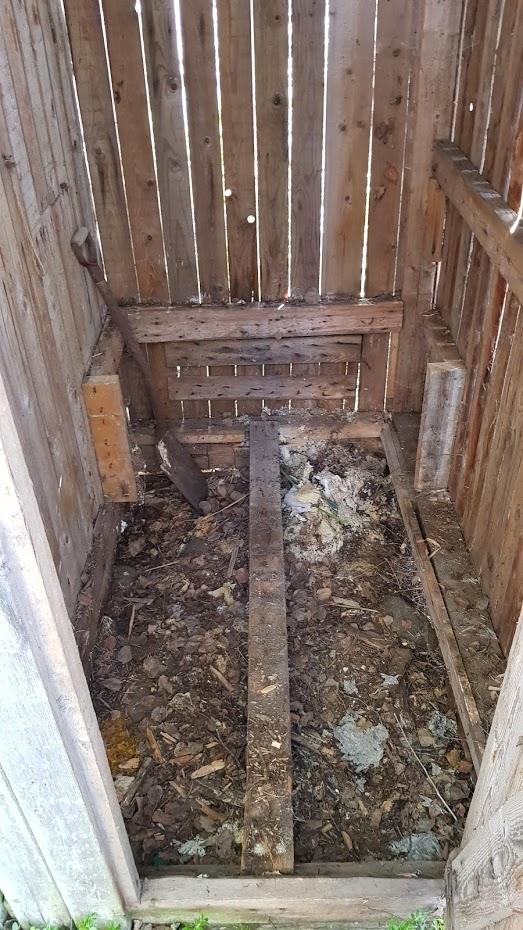 rekonstrukce venkovního wc