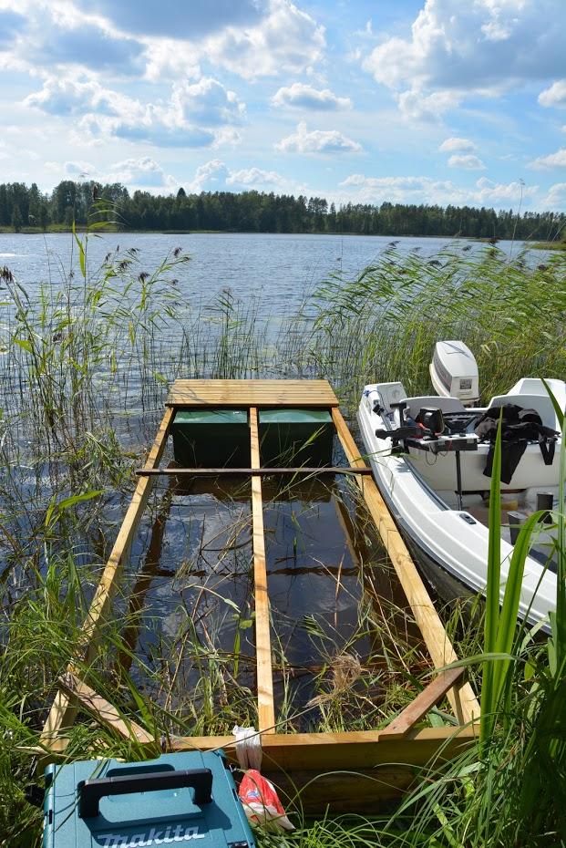 nové molo, finské jezero