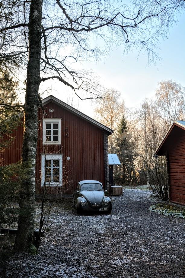 červený dům, Finsko, VW Brouk, zima