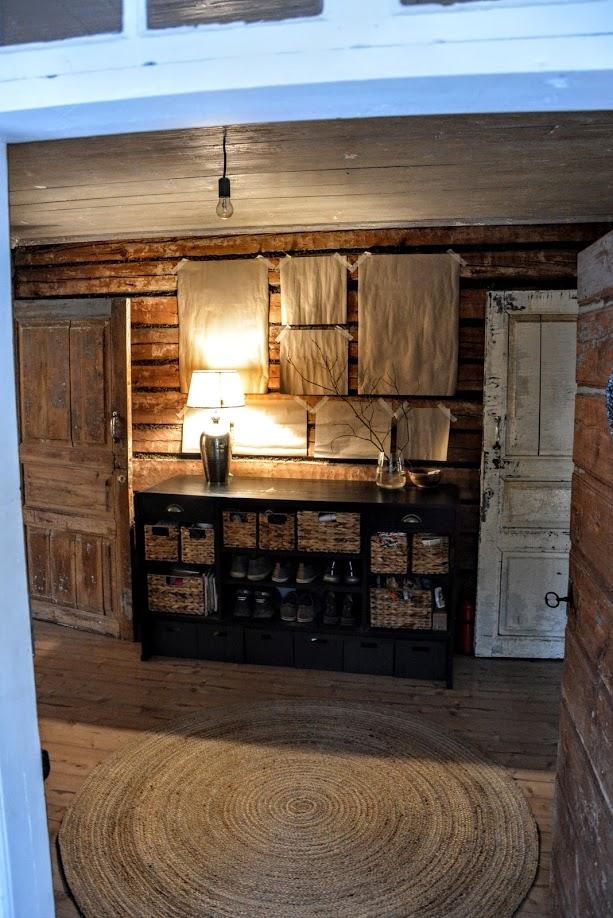 předsíň, roubenka, dřevostavba, starý dům