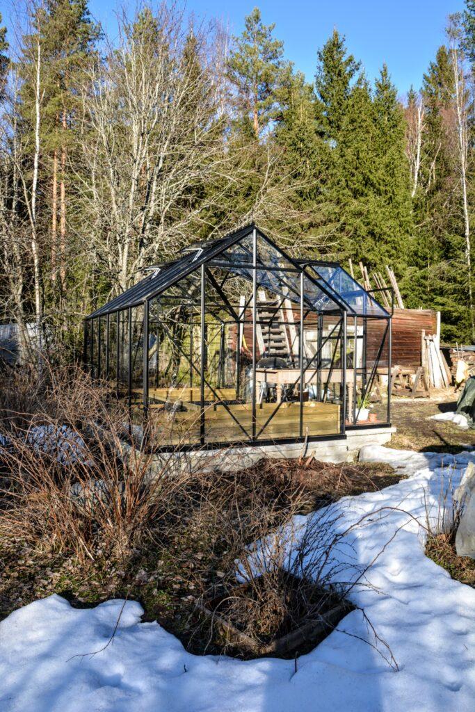 skleník s okrasným hřebenem