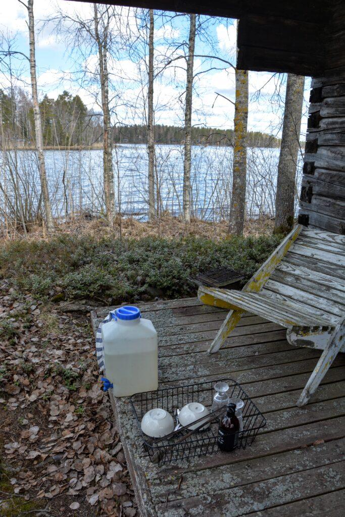 srub u jezera