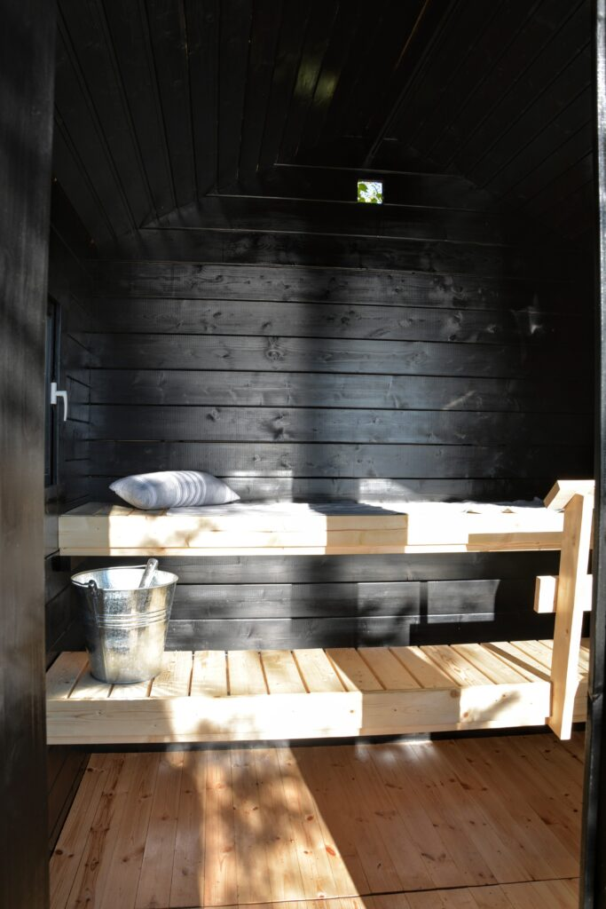 sauna u jezera