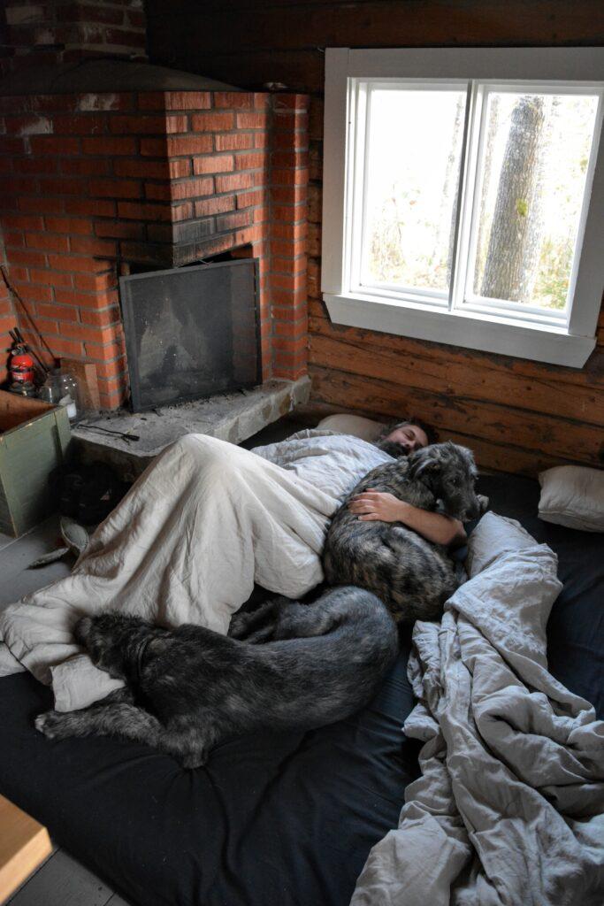 spaní na chatě